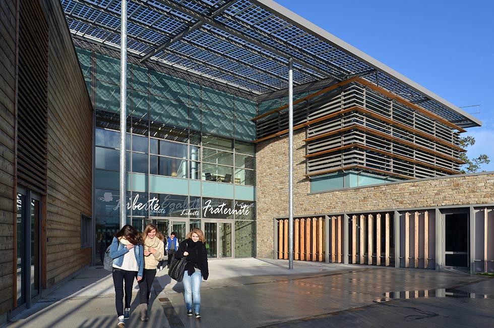 Construction du lycée polyvalent Aimé Césaire, à Clisson (44)